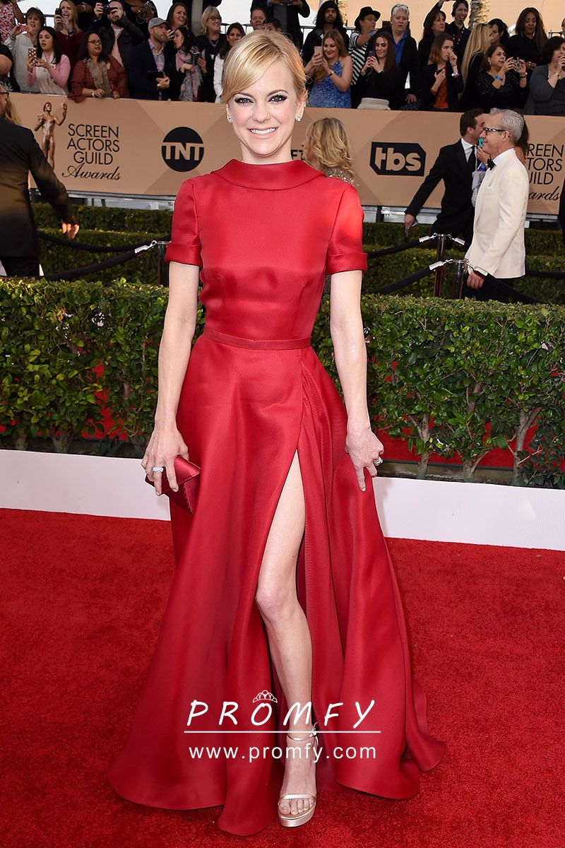 Anna Faris red satin short sleeve thigh high slit red carpet prom dress