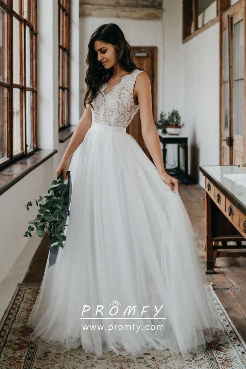 Scalloped Off White Lace Tulle A Line Wedding Gown