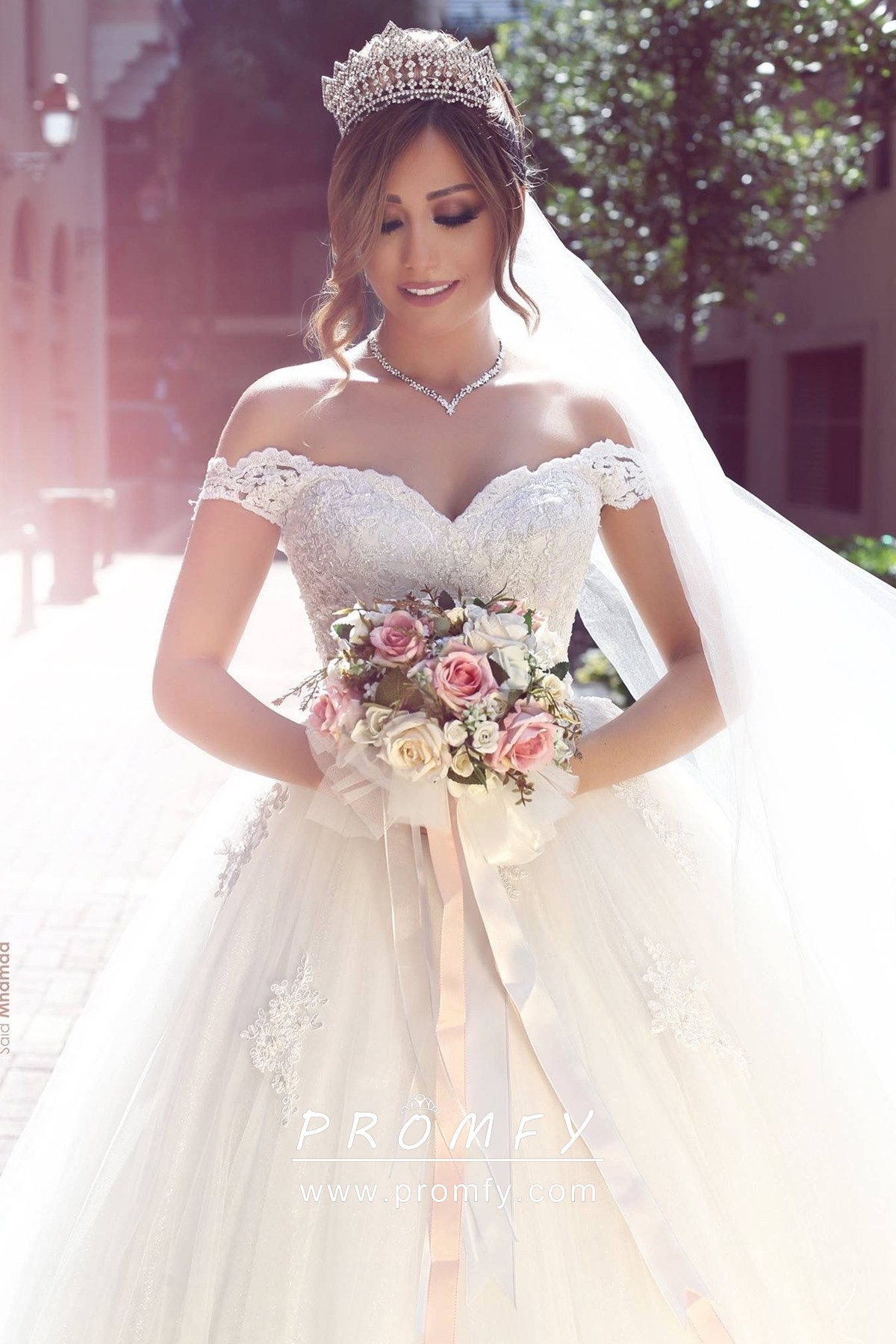Wedding Dresses Ball Gown, Lavish Tulle Off-the-shoulder
